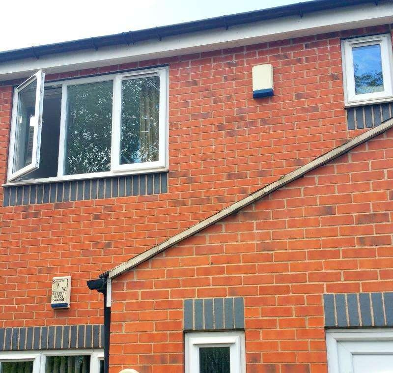 2 Bedrooms Flat for rent in Church Villas, Church Lane, Bramley, Rotherham, S66