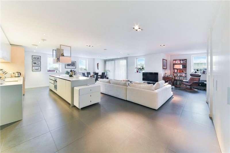 3 Bedrooms Flat for sale in Wenlock Building, Wharf Road, Islington, London, N1