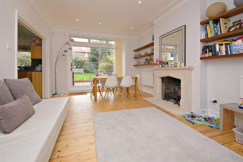 5 Bedrooms Detached House for sale in Brookfield Park
