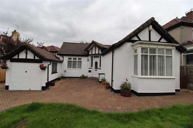 3 Bedrooms Detached Bungalow for sale in Wells Road, Whitchurch, Bristol