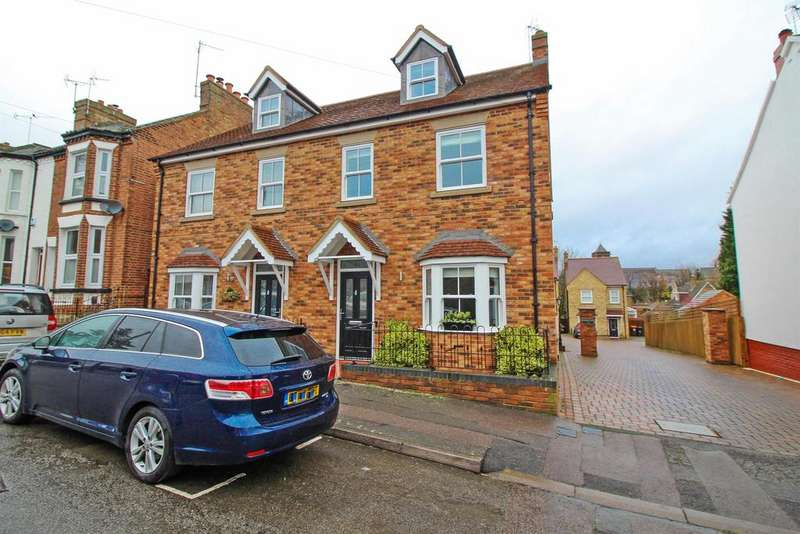 4 Bedrooms Semi Detached House for sale in Victoria Road, Leighton Buzzard