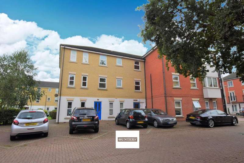 2 Bedrooms Ground Flat for sale in Glandford Way, Chadwell Heath, RM6 4UJ