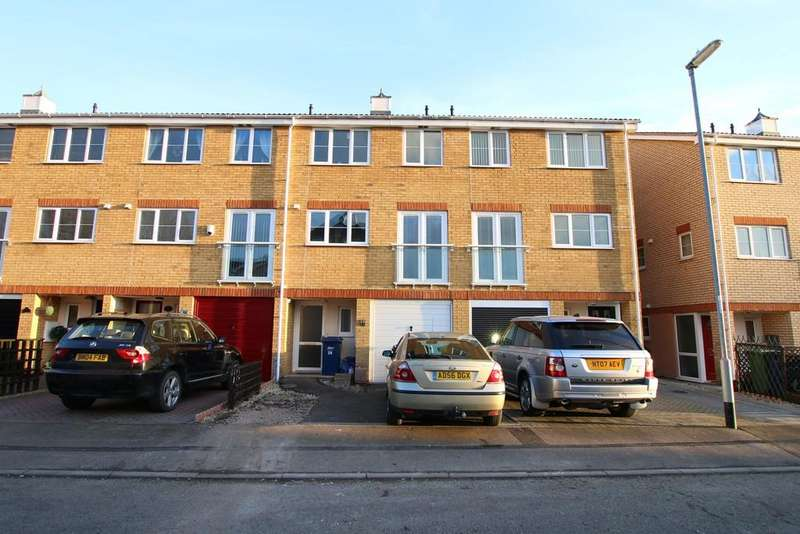 4 Bedrooms Town House for rent in Riverdown, March