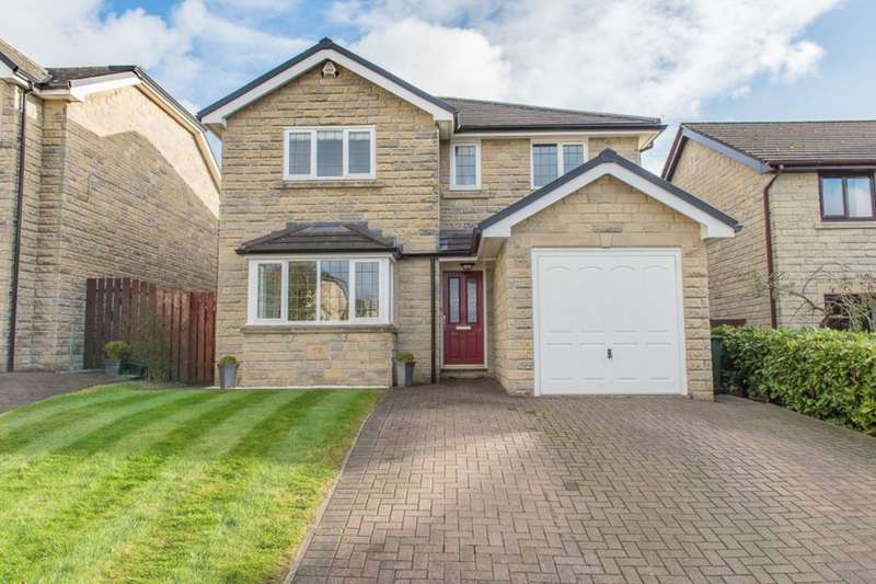 4 Bedrooms Detached House for sale in Hollinwood Drive, Rawtenstall, Rossendale, BB4