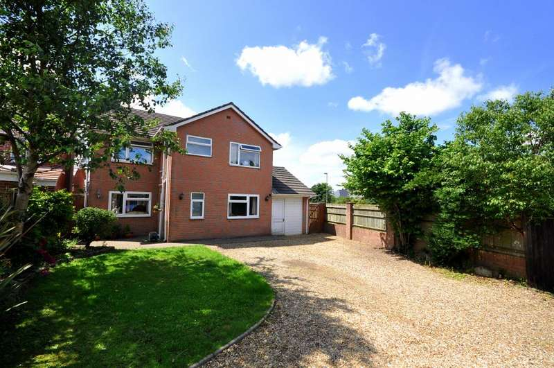 4 Bedrooms Detached House for sale in Parsonage Barn Lane, Ringwood, BH24 1PX