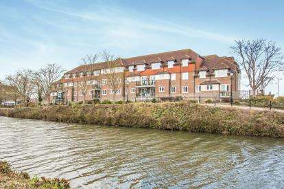 1 Bedroom Flat for sale in Dellers Wharf, Taunton, Somerset