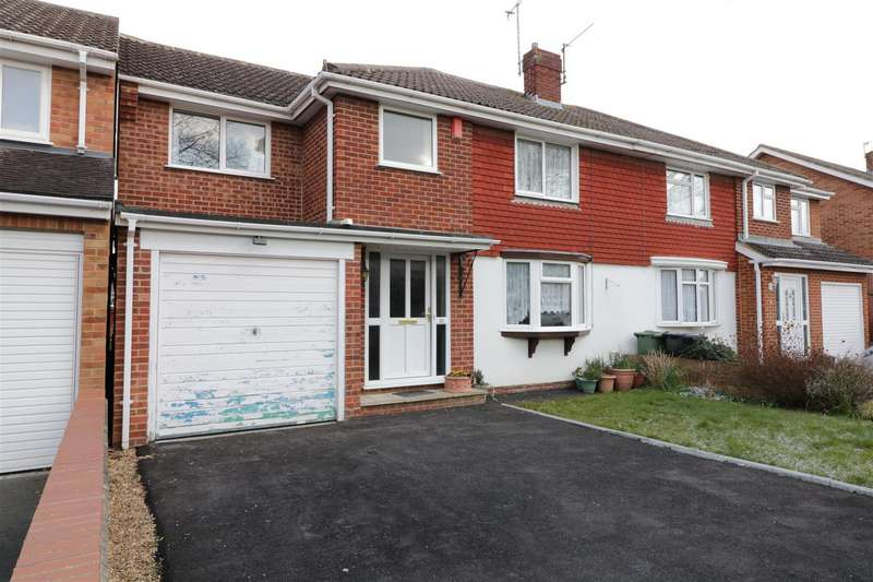 4 Bedrooms Semi Detached House for sale in Fullbrook Crescent, Tilehurst, Reading