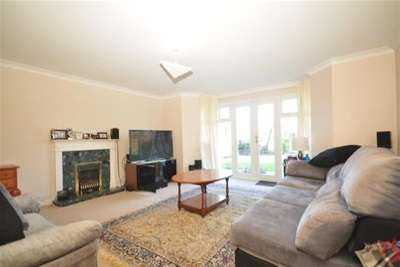 4 Bedrooms House for rent in Boxgrove