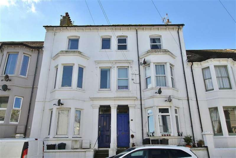 2 Bedrooms Flat for sale in Meeching Road, Newhaven