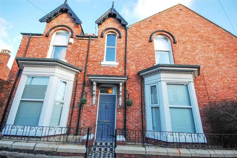 3 Bedrooms Terraced House for sale in Lorne Terrace, Ashbrooke, Sunderland