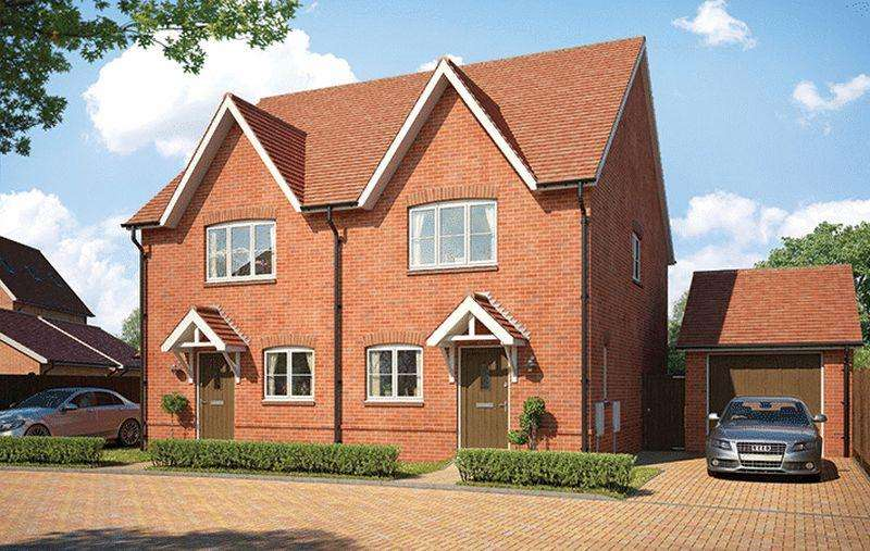 2 Bedrooms Detached House for sale in The York, Longhurst Park, Cranleigh