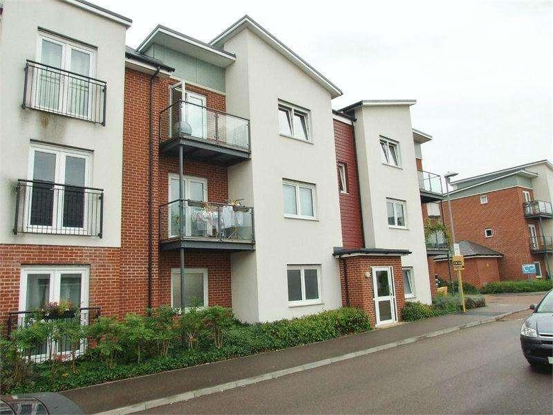 2 Bedrooms Apartment Flat for rent in Torkildsen Way, Harlow