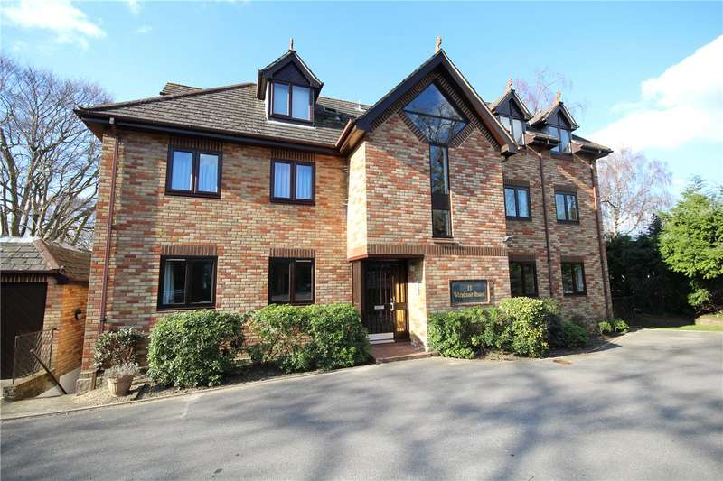 3 Bedrooms Flat for sale in Windsor Road, Ashley Cross, Poole, Dorset, BH14