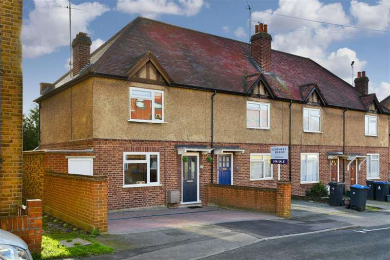 2 Bedrooms Property for sale in Haycroft Road, Surbiton