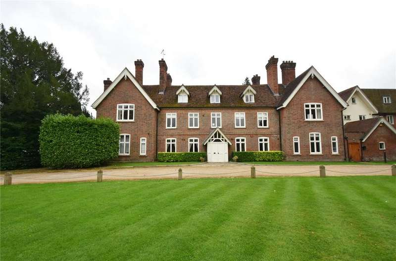 2 Bedrooms Flat for sale in Astwick Manor, Coopers Green Lane, Hatfield, Hertfordshire
