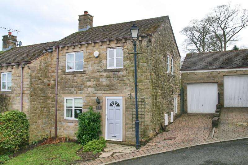 3 Bedrooms Semi Detached House for sale in Bollington, Macclesfield, SK10