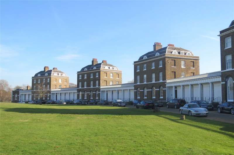 1 Bedroom Flat for sale in The Paragon, London, SE3