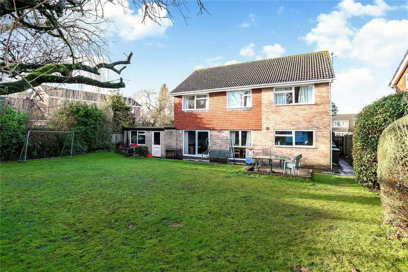 4 Bedrooms Detached House for sale in Willow Gardens, Liphook, Hampshire, GU30