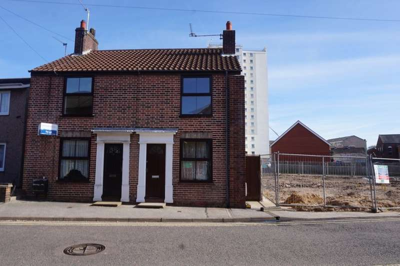 2 Bedrooms Semi Detached House for rent in Thurston Road, Lowestoft, NR32