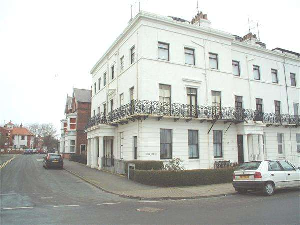2 Bedrooms Apartment Flat for rent in NEW - The Crescent, Filey
