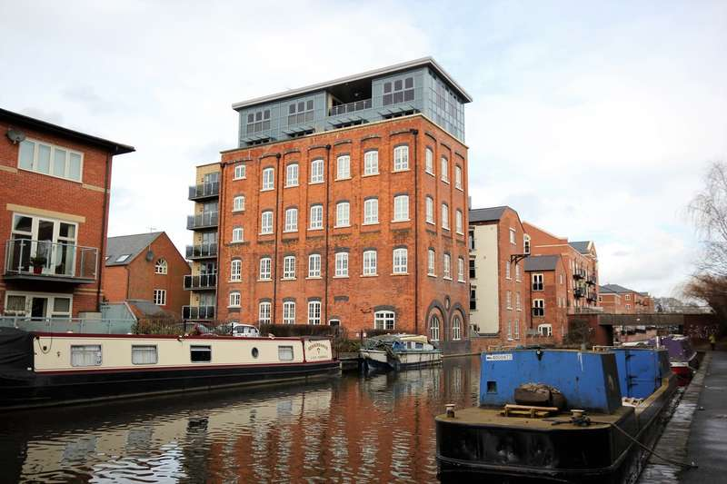 1 Bedroom Penthouse Flat for sale in Portland Street, Worcester, WR1