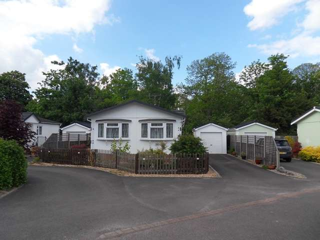 2 Bedrooms Park Home Mobile Home for sale in 18C The Elms, Warfield Park, Warfield
