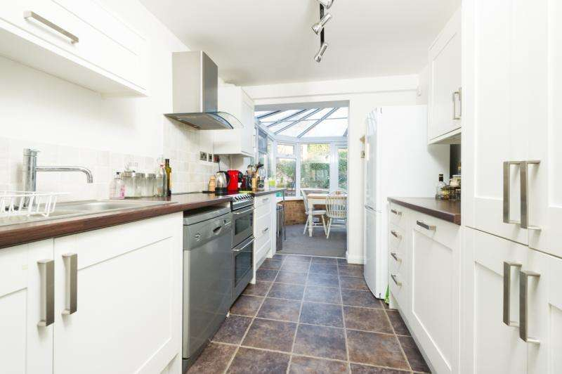 3 Bedrooms Semi Detached House for sale in High Street, Wheatley, Oxford, Oxfordshire