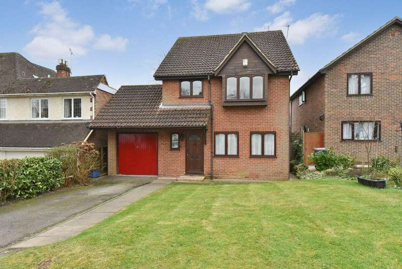4 Bedrooms Detached House for sale in Quakers Lane, Potters Bar, EN6