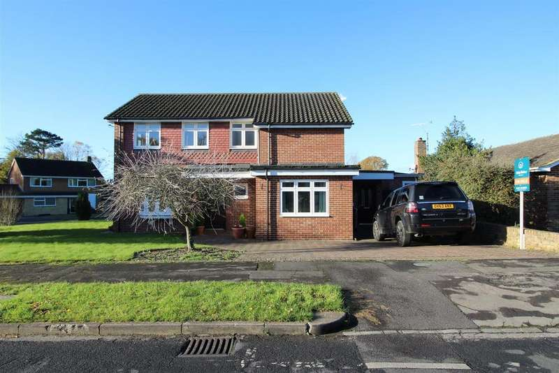 3 Bedrooms Flat for sale in Rosehill Park, Emmer Green