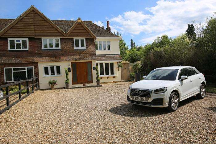 4 Bedrooms Semi Detached House for sale in HARLOW COMMON, HASTINGWOOD CM17