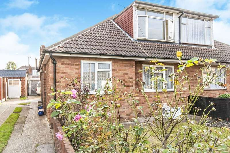 4 Bedrooms Semi Detached Bungalow for sale in The Gardens, FELTHAM, TW14