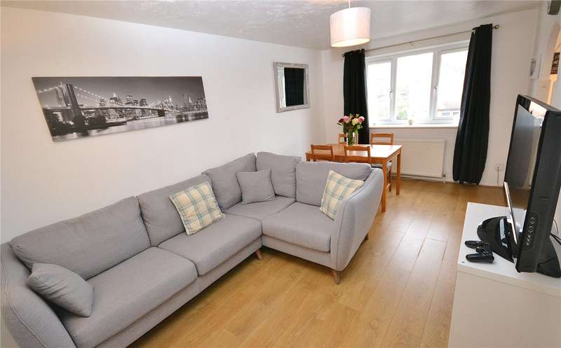 1 Bedroom Apartment Flat for sale in Greenway Close, Friern Barnet, London, N11