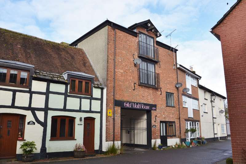 2 Bedrooms Maisonette Flat for sale in Wimborne Town Centre