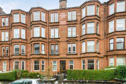 2 Bedrooms Flat for sale in Garthland Drive, Dennistoun