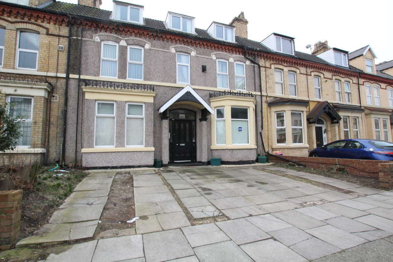 3 Bedrooms Ground Flat for sale in Norma Road, Waterloo, Liverpool, L22