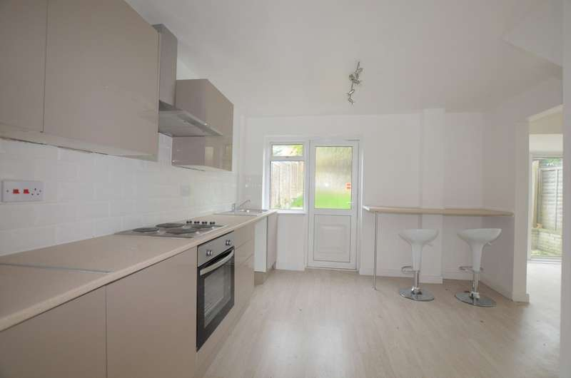 3 Bedrooms Terraced House for sale in Abbotsweld, Harlow CM18