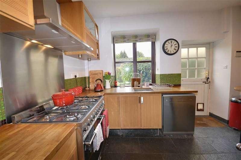 3 Bedrooms Property for sale in Malvern Mews, Monk Fryston, Leeds, LS25