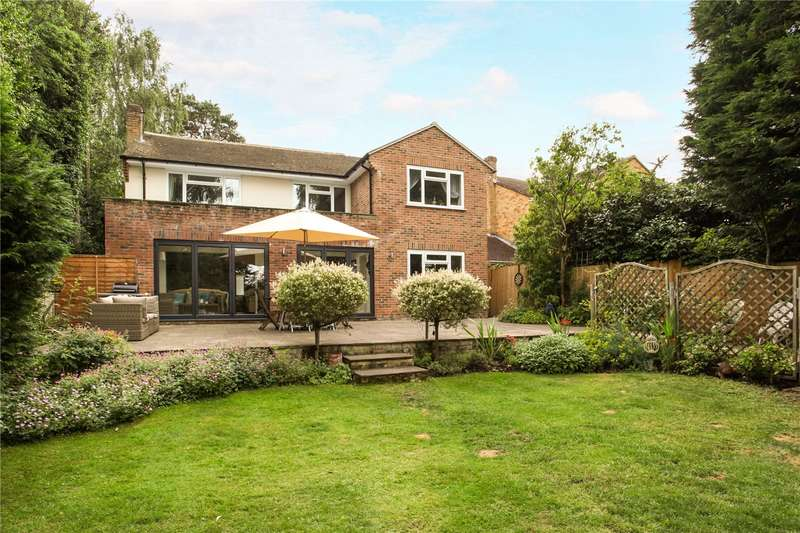 5 Bedrooms Detached House for sale in Michelet Close, Lightwater, Surrey, GU18