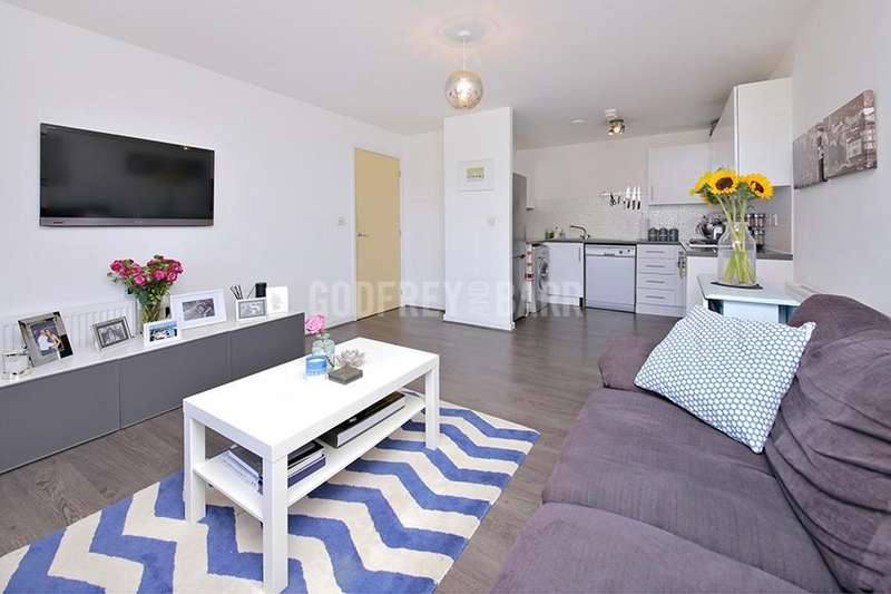 2 Bedrooms Apartment Flat for sale in Todd Close, Borehamwood
