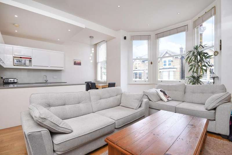 2 Bedrooms Flat for sale in Montrell Road, Streatham Hill
