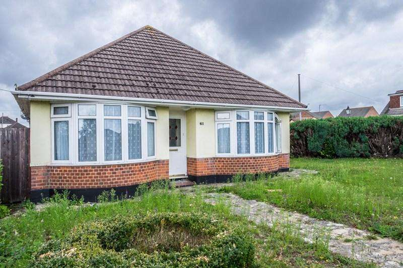 3 Bedrooms Detached Bungalow for sale in Southill Road, Parkstone, Poole