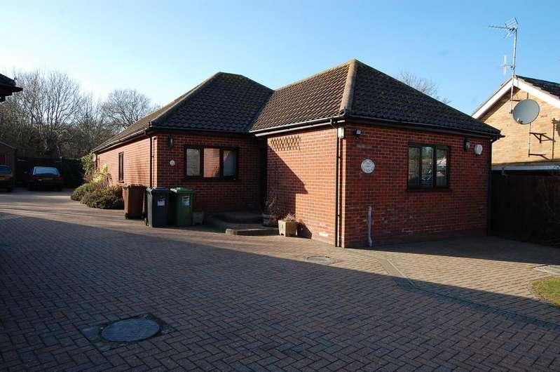 3 Bedrooms Detached Bungalow for sale in Texel Way , Mundesley