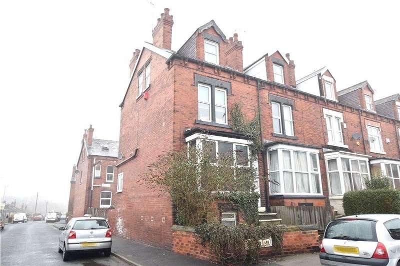 4 Bedrooms Terraced House for sale in Bentley Lane, Leeds