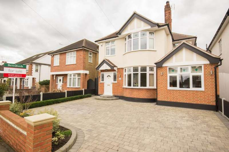 5 Bedrooms Detached House for sale in Shorter Avenue, Shenfield, Brentwood, Essex, CM15