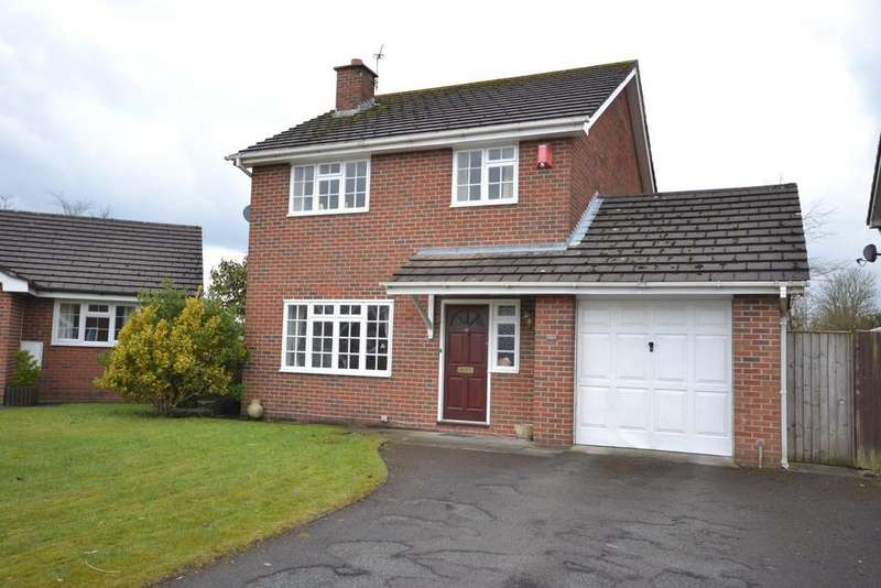 3 Bedrooms Detached House for sale in Clay Heyes, Chelford