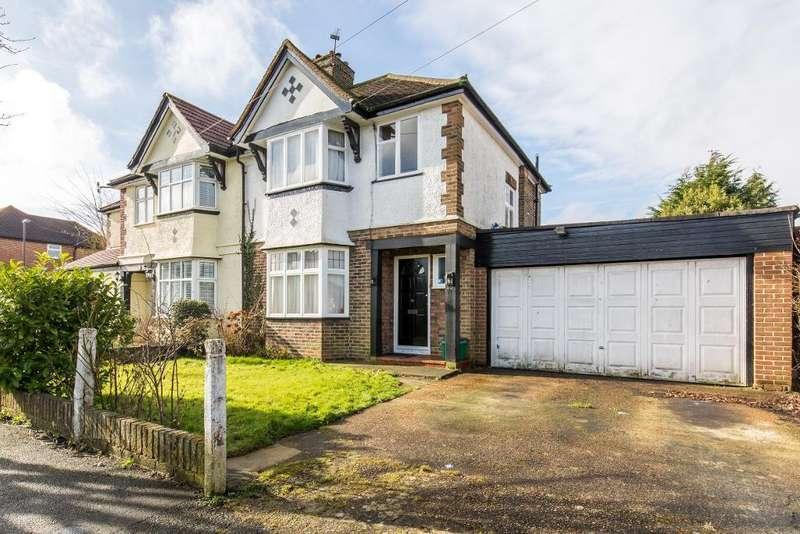 3 Bedrooms Semi Detached House for sale in Ellesmere Drive, Sanderstead, Surrey, CR2 9EG