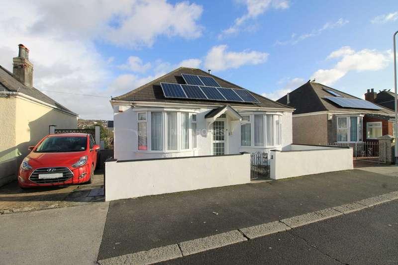 3 Bedrooms Detached Bungalow for sale in Poole Park Road, St Budeaux, PL5 1JH