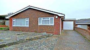 3 Bedrooms Bungalow for sale in Chiltington Way, Saltdean, East Sussex