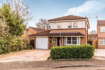 4 Bedrooms Detached House for sale in Acorn Close, Manchester, Greater Manchester, Uk