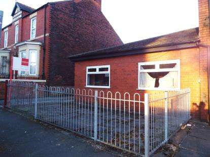 3 Bedrooms Bungalow for sale in Longley Road, Walkden, Manchester, Greater Manchester